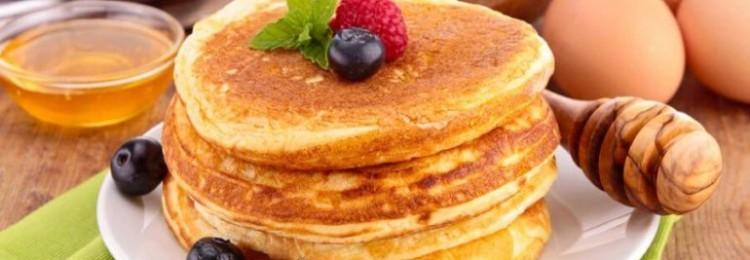 Пышные оладушки из детства: 5 рецептов на каждый день