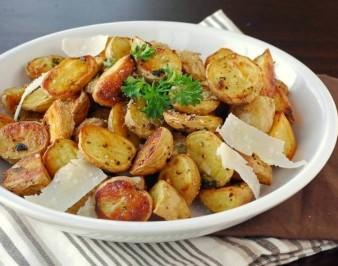 Румяный картофель в рукаве: просто и вкусно