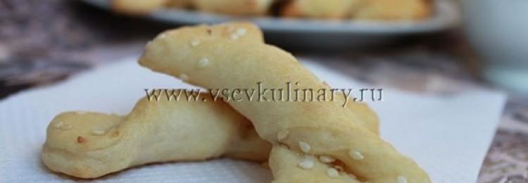 Печенье из огуречного рассола с кунжутом