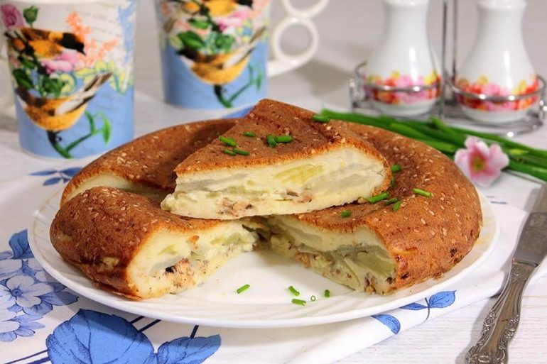 Пирог с консервами из рыбы