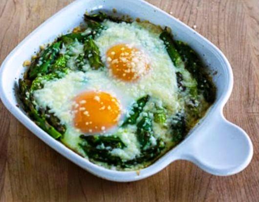 Яйцо с фасолью