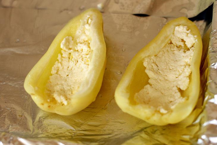 Яичница в болгарском перце с сыром и помидорами - рецепт пошаговый с фото