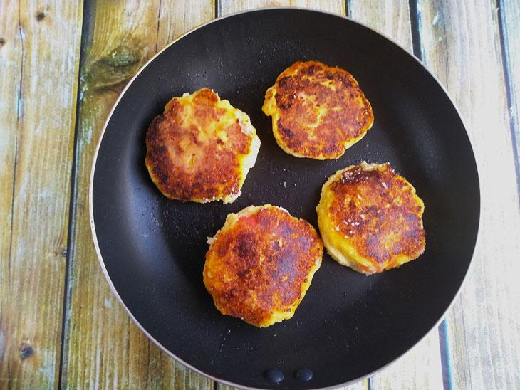 Сырники с яблоками - рецепт пошаговый с фото
