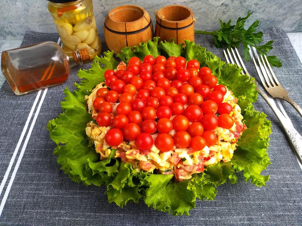 Салат красное море с курицей
